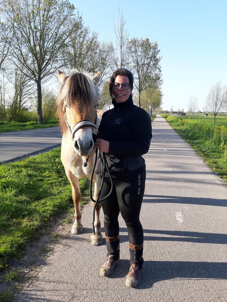 ik&ik paardencoaching is ontstaan vanuit mijn behoefte om mijn liefde voor paarden en mijn passie om te werken met mensen, samen te laten smelten.